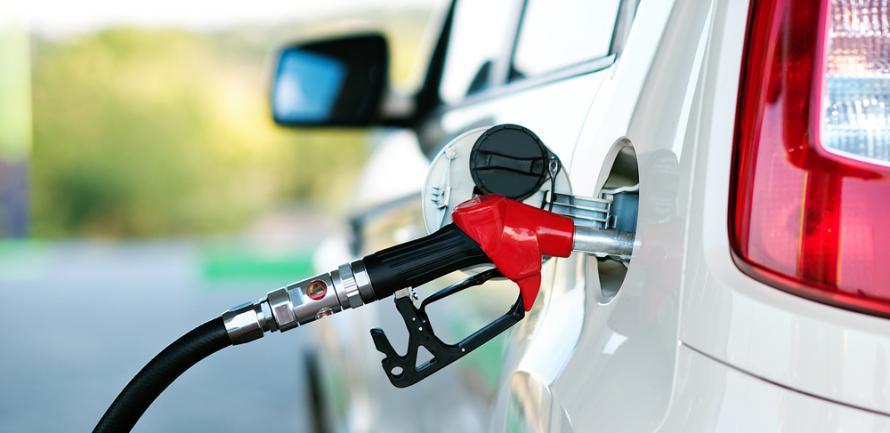 На заправках продовжують зростати ціни на бензин і дизель